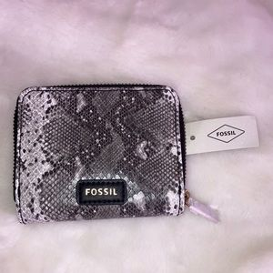 NWT FOSSIL Evelyn Zip Bi-fold Wallet